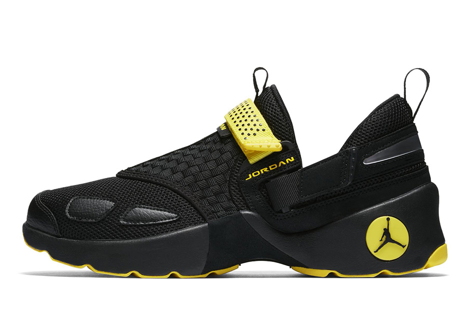 The latest Trunner borrows from a classic Jordan colorway