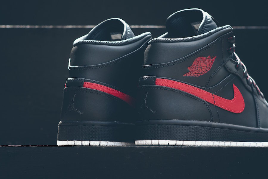 Anthracite is the next colorway to hit the Jordan 1 Mid