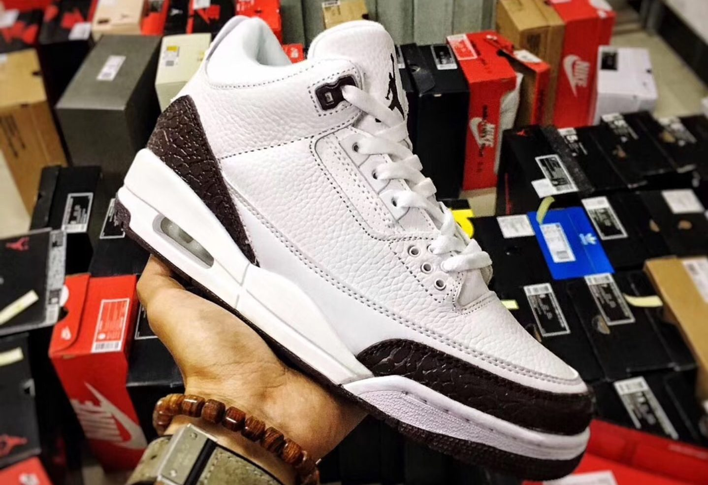 "FIRST LOOK: 2018 Air Jordan 3 ""Mocha"""