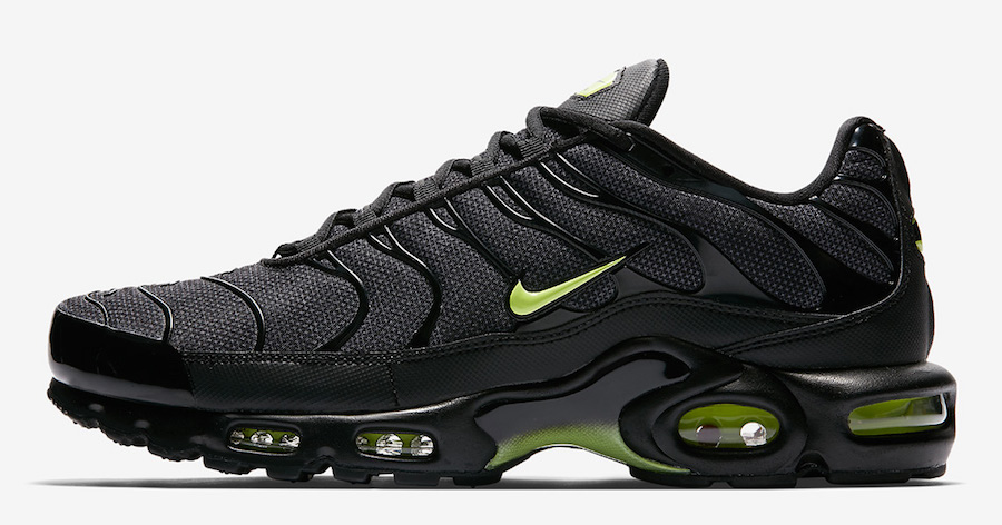 Simple pops of Neon make these TN's really stand out