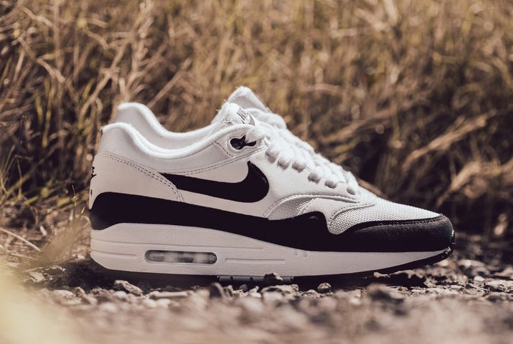 Another Black and White Air Max is available right now