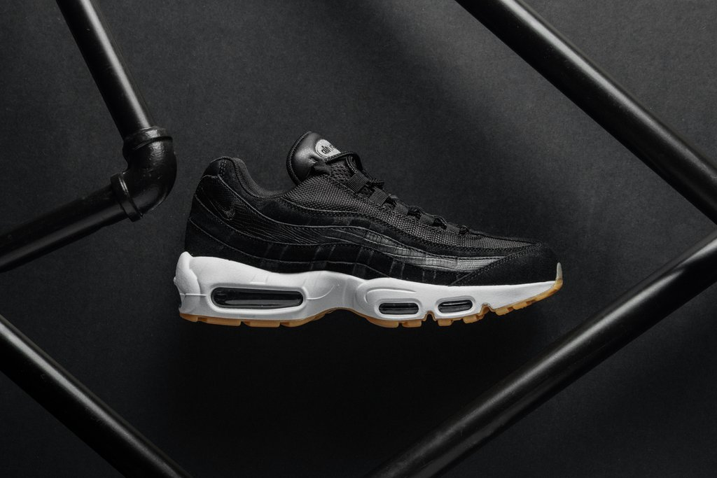 The Air Max 95 arrives in classic Black 'n' Gum