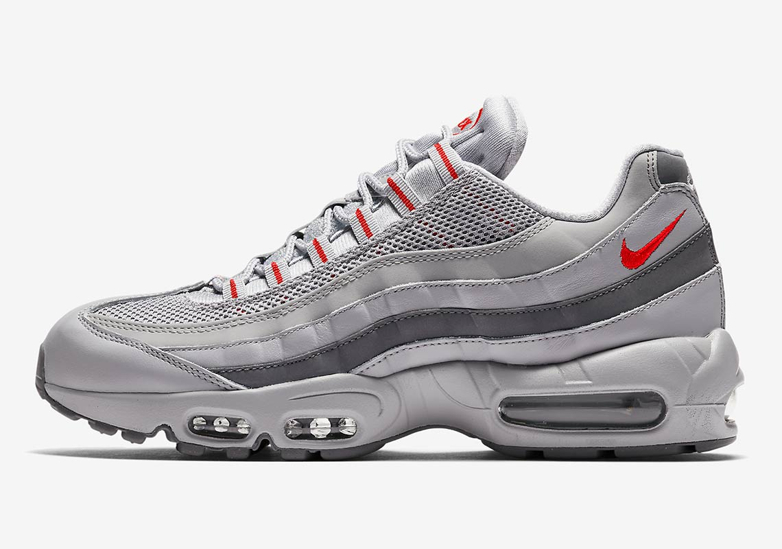 Nike keep shooting out their Silver Bullet colorway