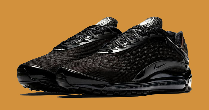 The Deluxe gets Dripped in Triple Black